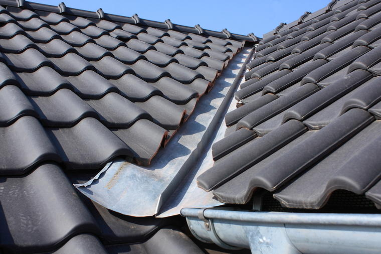 how to find a roof leak with an xray